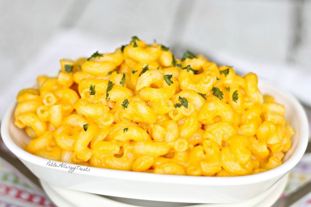 Healthy Dairy Free Mac and Cheese Recipe (gluten free vegan dairy free) Super creamy and healthy without any cheese but veggies instead!Vegan