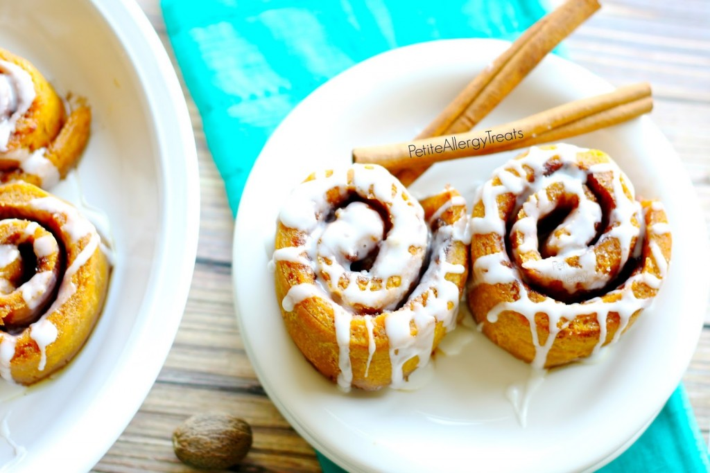 Pumpkin Cinnamon Rolls (gluten free vegan) - Soft cinnamon buns with warm pumpkin spice flavor.
