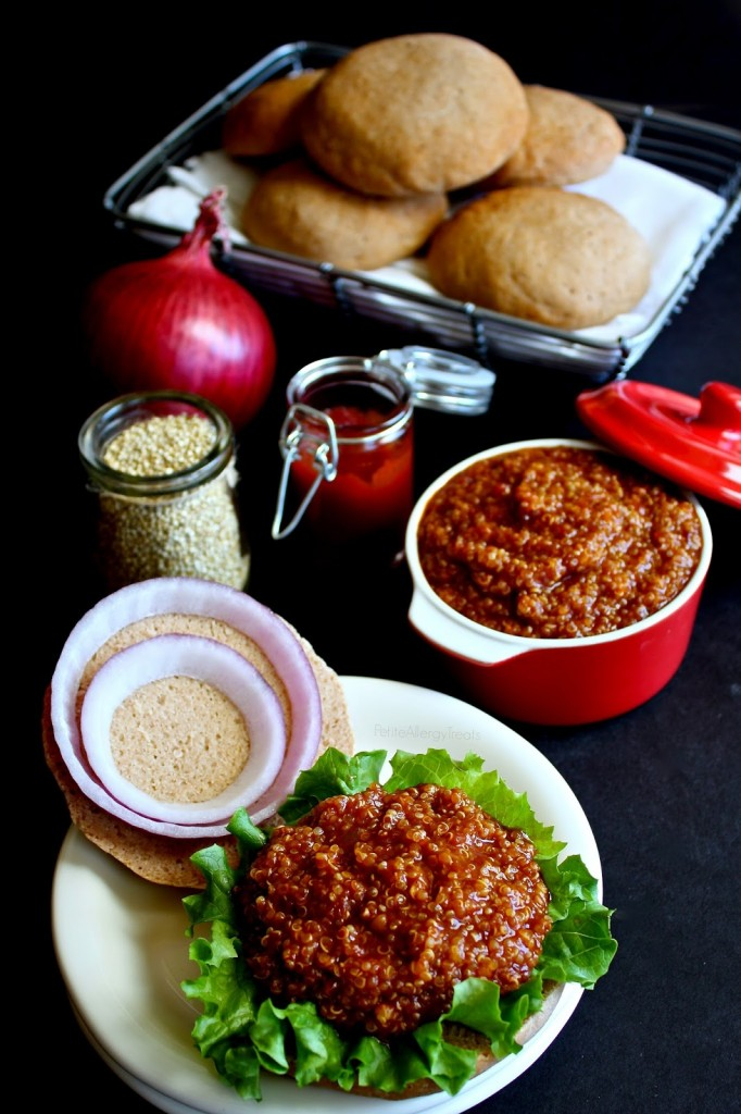 Sloppy Joe's with Quinoa Meatless (gluten free Vegan)- A classic family meal without meat but made with protein packed quinoa! An easy meatless meal!