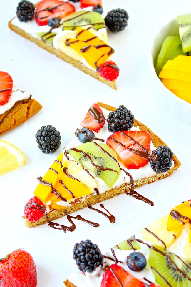 Gluten Free Fruit Pizza (dairy free Vegan)- Impress anyone with a dairy free gluten free rainbow fruit pizza made with whole grains. #tothefullest