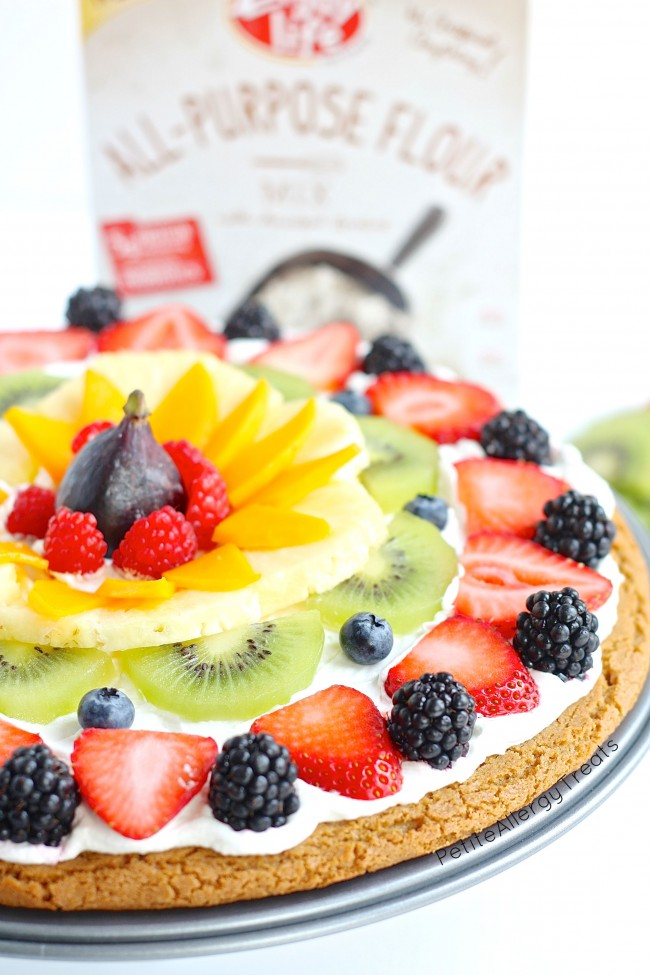 Dairy Free Fruit Pizza (gluten free Vegan)- Impress anyone with a dairy free gluten free rainbow fruit pizza made with whole grains. #tothefullest