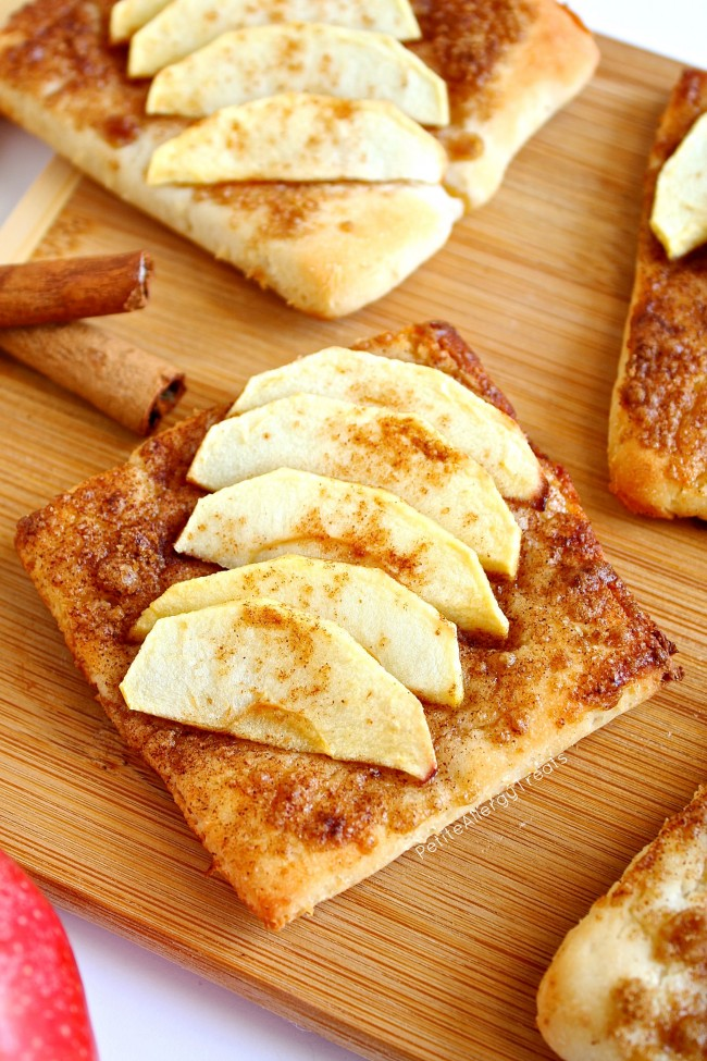 Apple Pie Tart (gluten free Vegan) Cinnamon and apple breakfast treat!