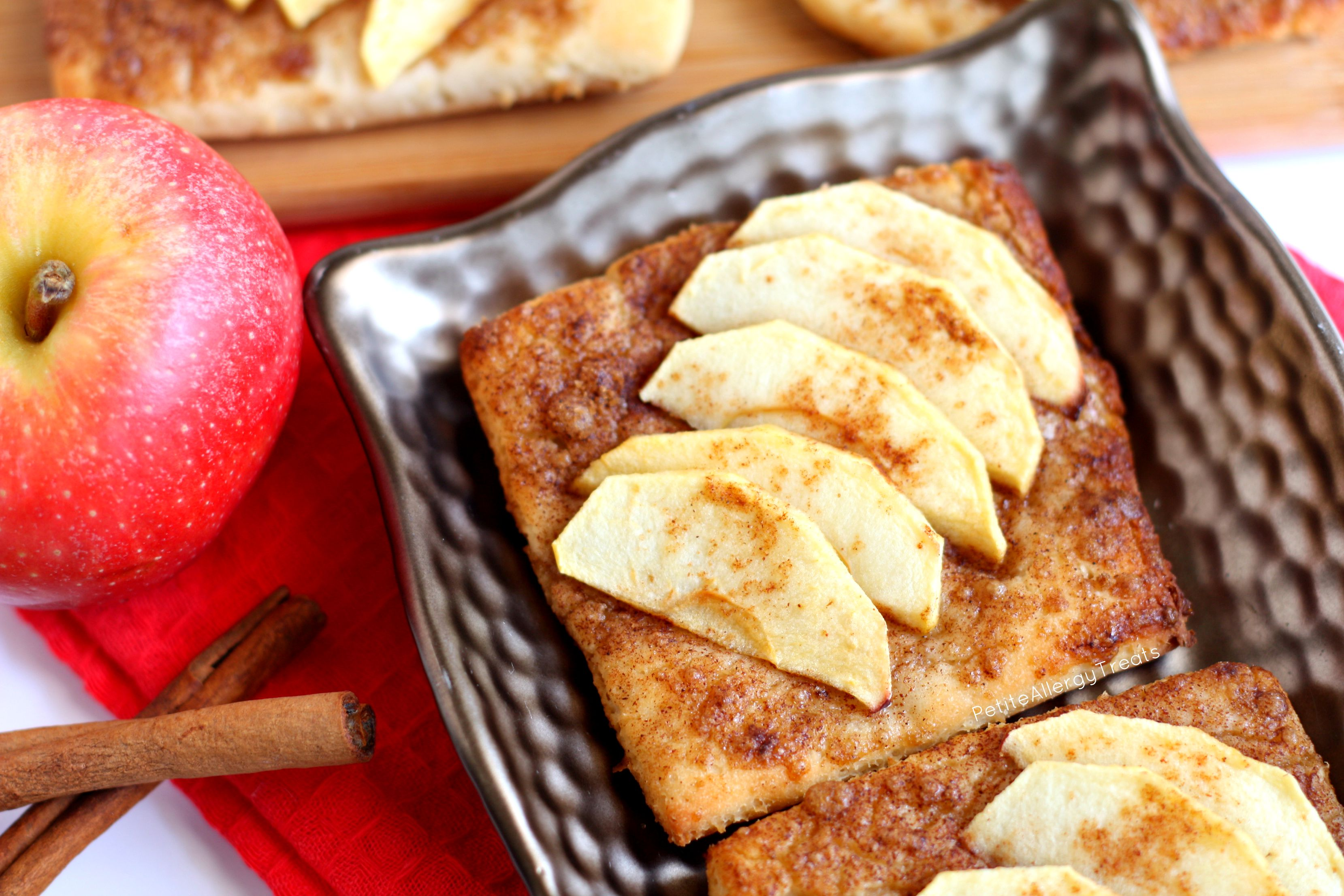 Danish Apple Pie Tart (gluten free Vegan) Cinnamon and apple breakfast treat!