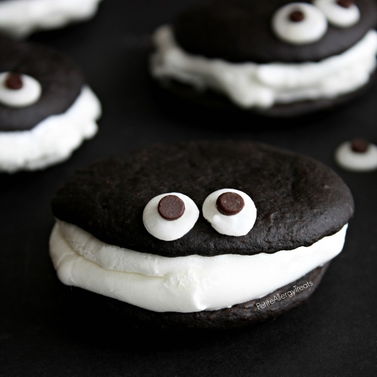 Chocolate Whoopie Pies with Marshmallow | Yummy Marshmallow Recipes For Kids