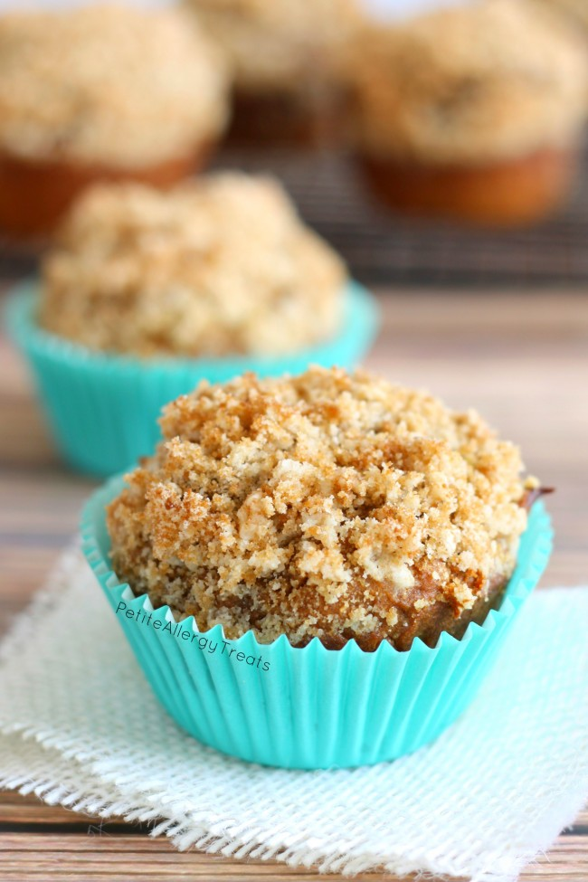Gluten Free Pumpkin Streusel Muffins (vegan) Delicious pumpkin muffins with crumbly bakery topping