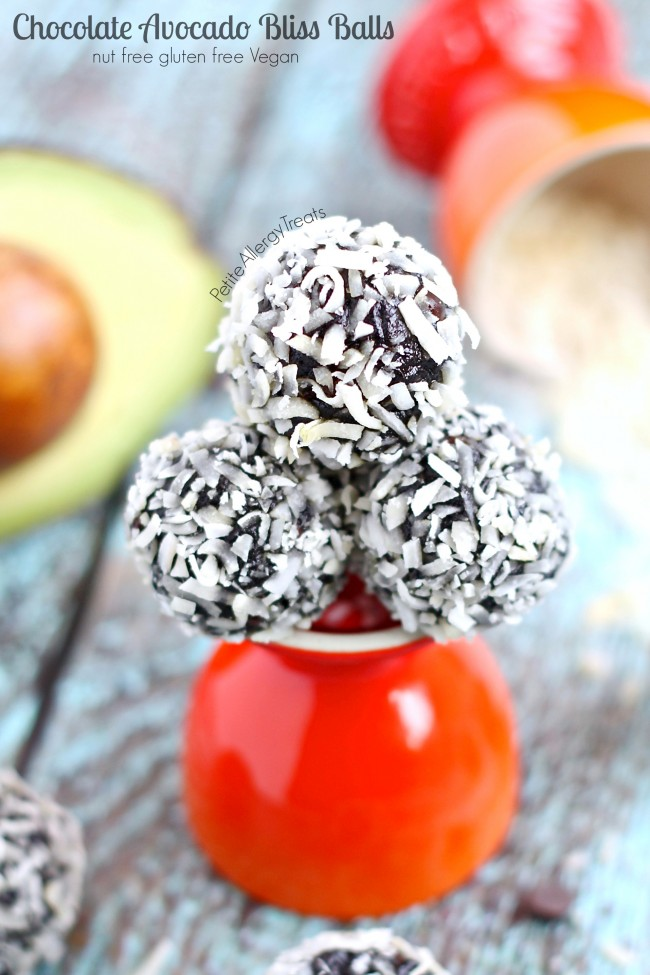 Chocolate Avocado Truffle Bliss Balls recipe (vegan) - Healthy raw chocolate energy balls made avocado and seed butter.