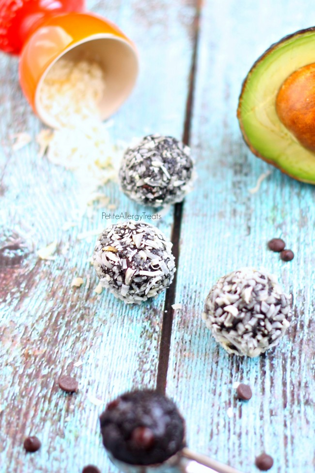 Bliss Balls Chocolate Avocado Truffle recipe (vegan) - Healthy raw chocolate energy balls made avocado and seed butter.