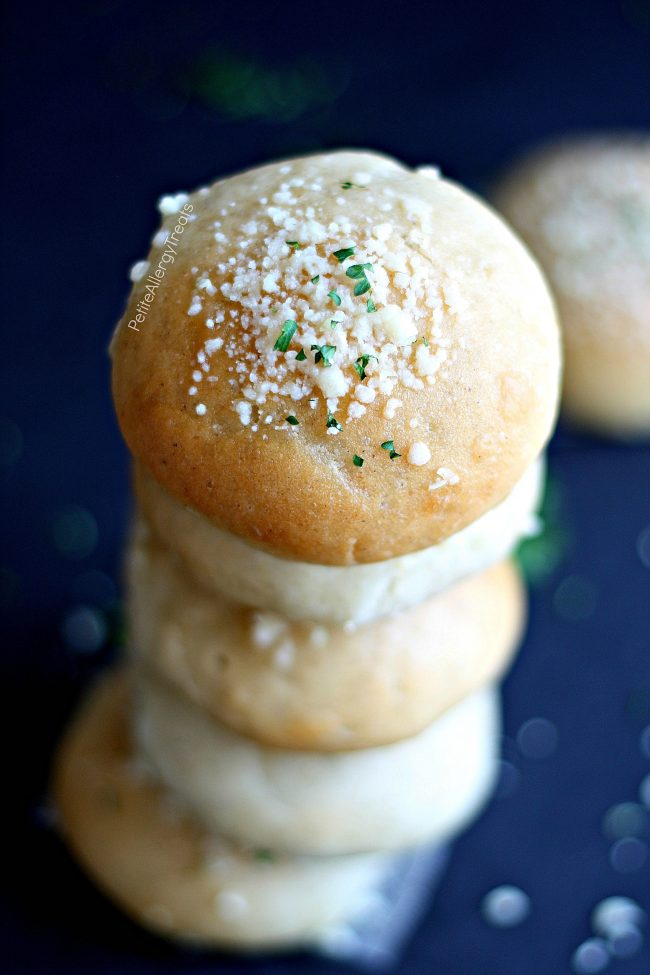 Garlic Parmesan Gluten Free Buns Recipe (dairy free vegan)- Light and fluffy garlic parmesan gluten free rolls or hamburger buns. Soft and delicious warm from the oven. Food Allergy friendly too!