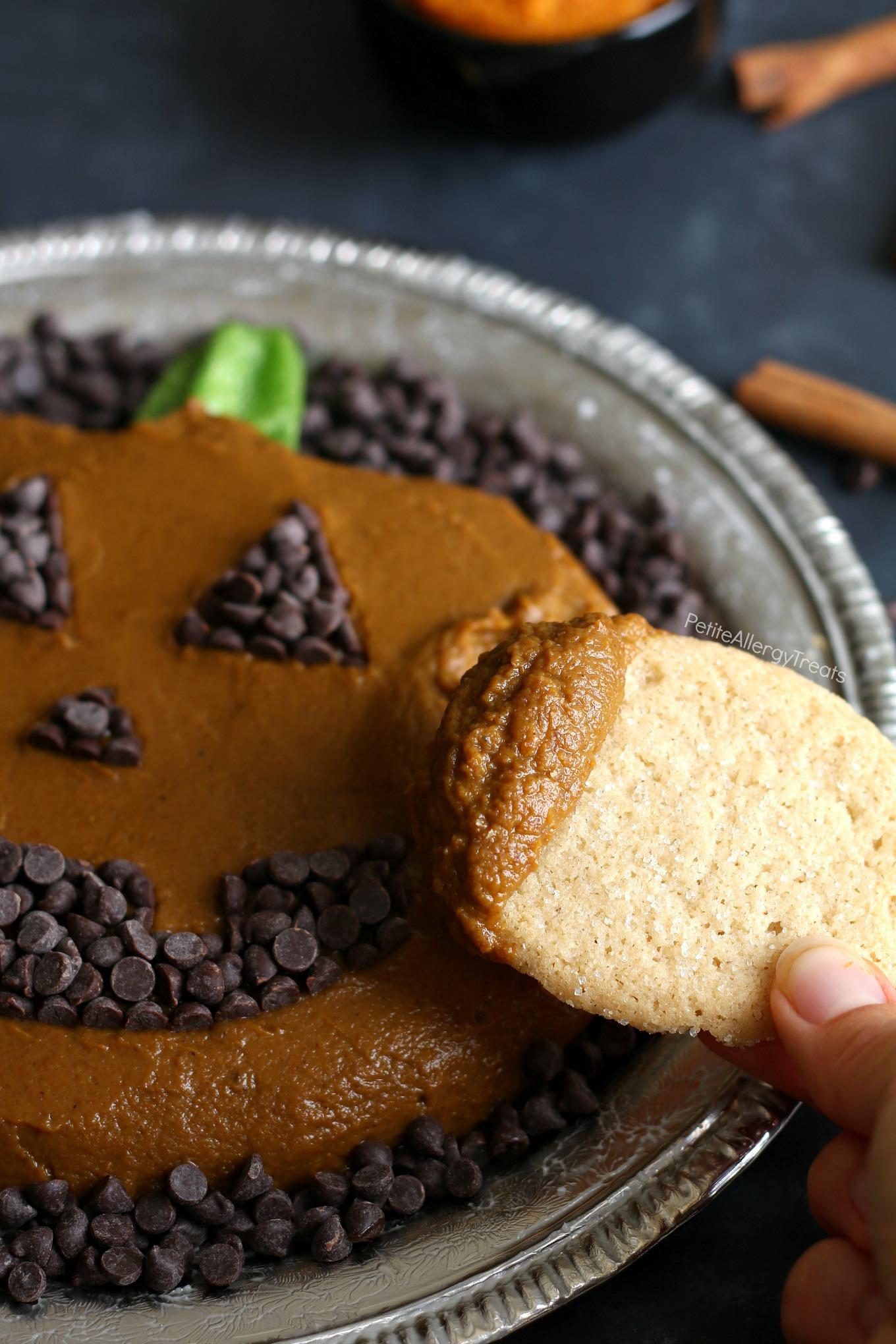 Skinny Vegan Pumpkin Pie Dip Recipe (dairy free)- Adorable pumpkin platter for Fall, Halloween or Autumn parties! Food Allergy friendly!
