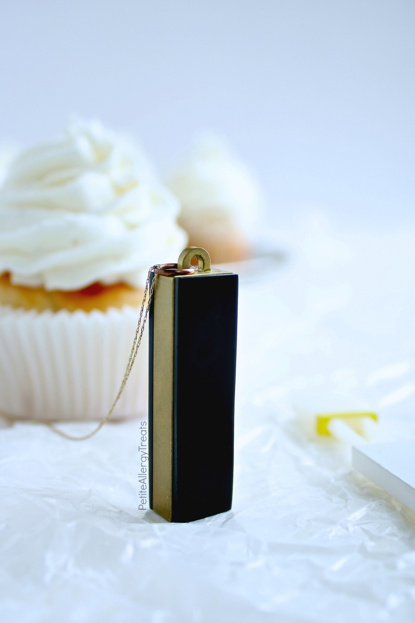Gluten Free Dairy Free Vanilla Cupcakes Recipe (vegan)- Bakery style real vanilla bean cupcakes. Food Allergy friendly Top 8 Free & Allergy Amulet food detection device.