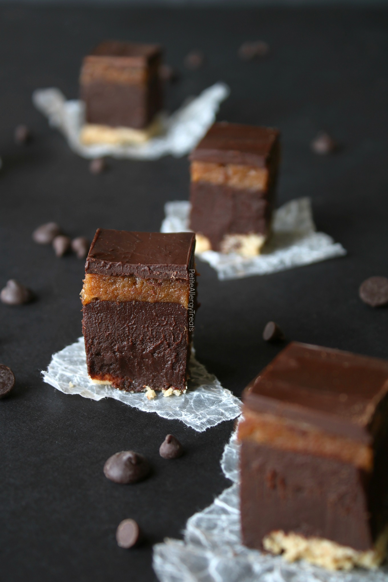 Gluten Free Twix Fudge Bars Recipe (Vegan dairy free)- No bake healthier date caramel and oil free ganache fudge filling. Food Allergy friendly!